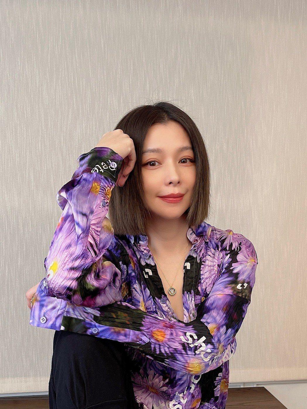 徐若瑄說為了何潤東她第一次開口跟人借錢。圖/HBO提供