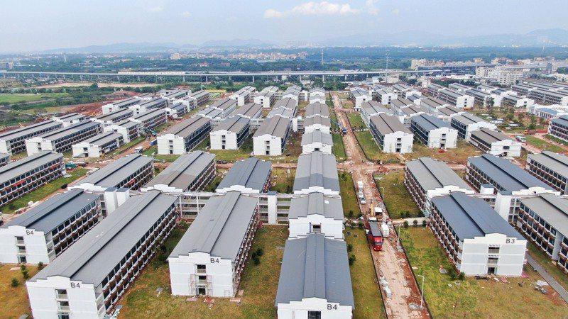 廣州將成立首個大型常設隔離中心,而且即將啟用,正式名稱為「廣州國際健康驛站」,有超過5000個房間。新華社