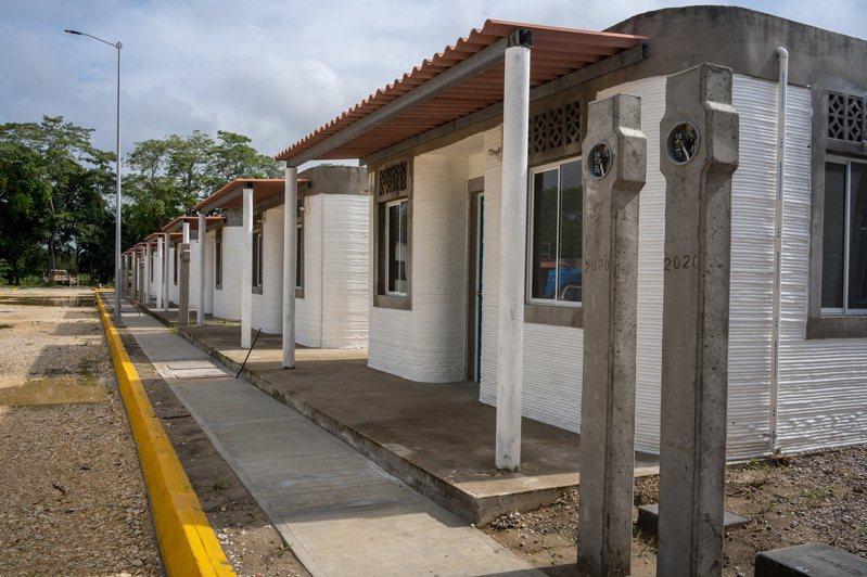 以3D列印技術蓋房已從理論邁向實務,圖為墨西哥納卡胡卡市貧民住宅村,村中房屋皆為3D列印而成。紐約時報