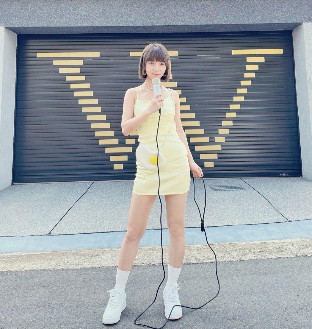 溫妮將於10月底發行首張個人專輯「問題少女」。圖/哈囉你好工作室提供