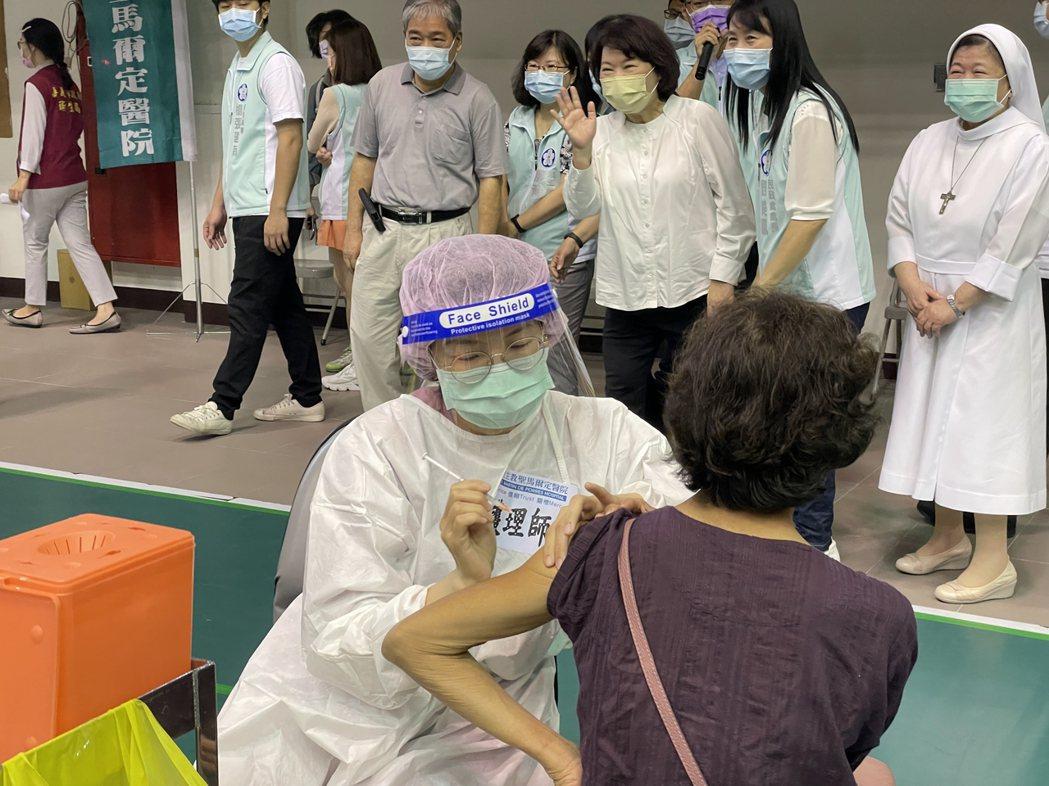 上個月底,高端疫苗開放施打,在輿論中引起信任與否的激辯,施打後的副作用案例也引發高度關注。示意圖。 圖/聯合報系資料照片