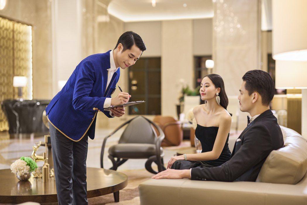 「遠雄THE ONE」引進全台少見的「英式大管家」服務,搭配「頂級豪宅物業管理」...