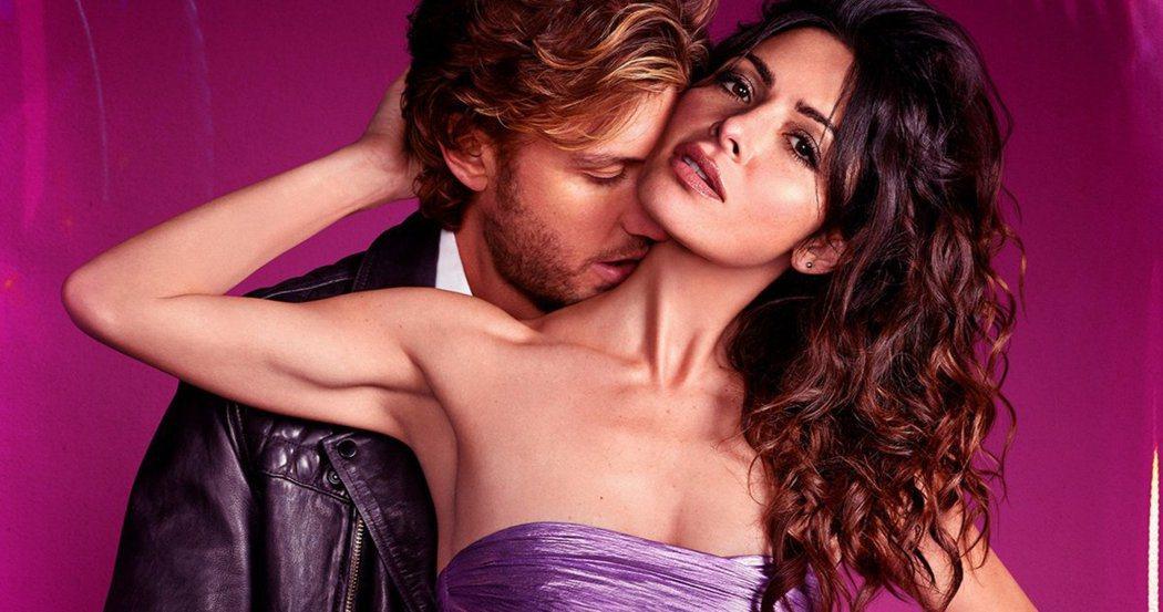 莎拉夏希(右)和亞當狄摩斯在「性/生活」對手戲很激情。圖/摘自imdb