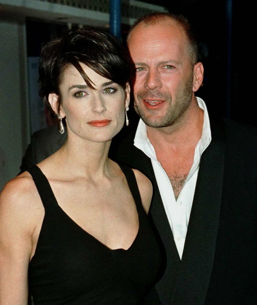 黛咪摩爾(左)與布魯斯威利曾是最閃耀的明星夫妻,但離婚後仍互動密切。(路透資料照...