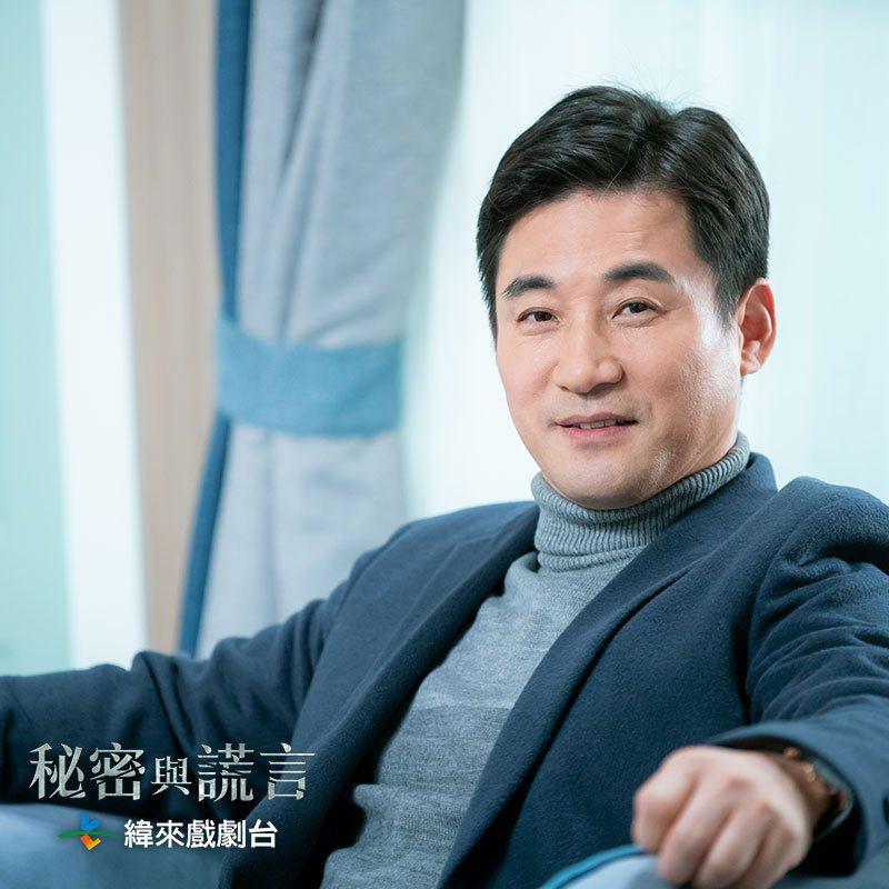 全盧民是韓劇中的「會長專業戶」,幾乎都演有錢、公司高層角色。圖/緯來戲劇台提供