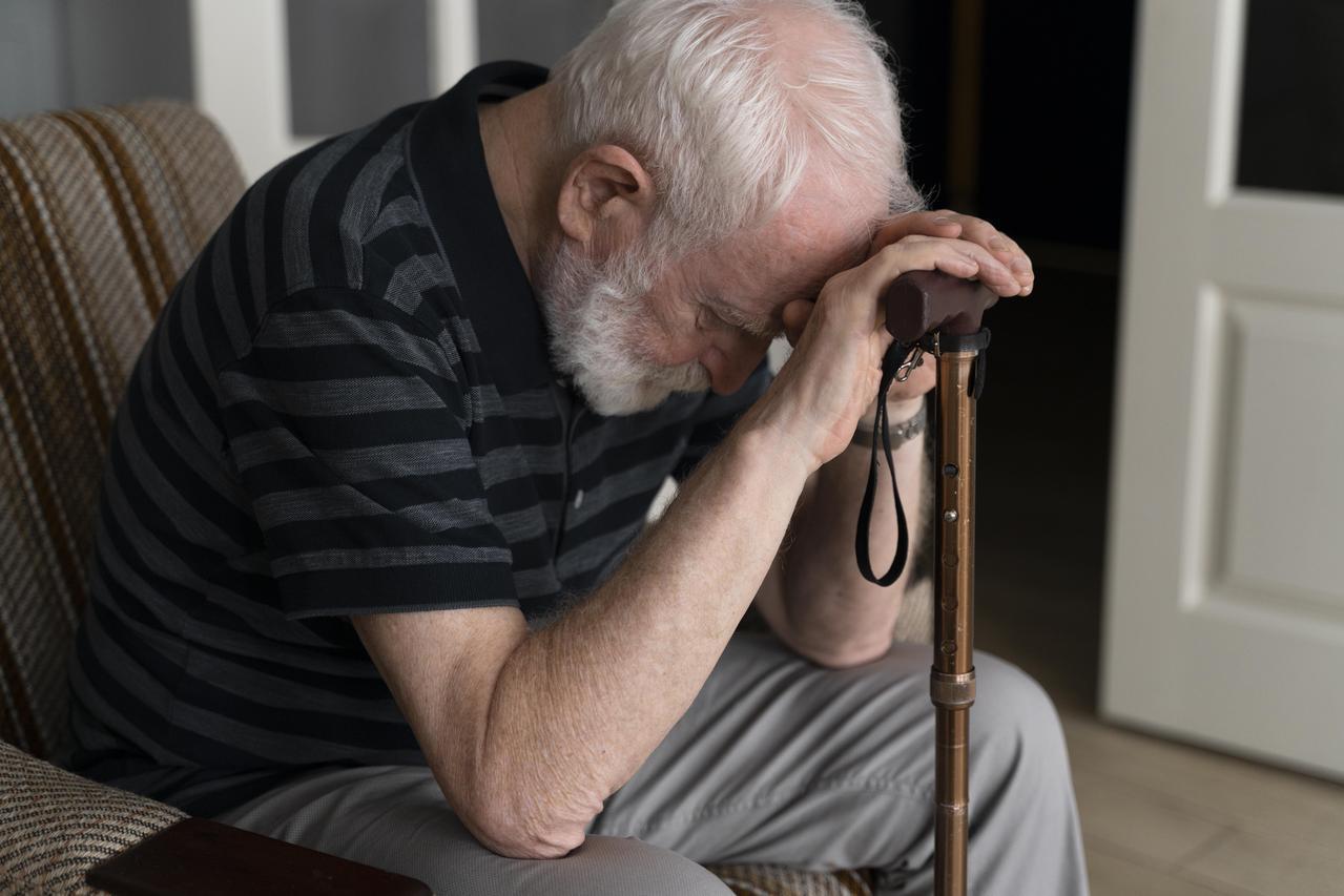 只要提到七十多歲的老人家,一般人就會想像他們端坐在緣廊邊曬太陽的模樣。 圖/fr...