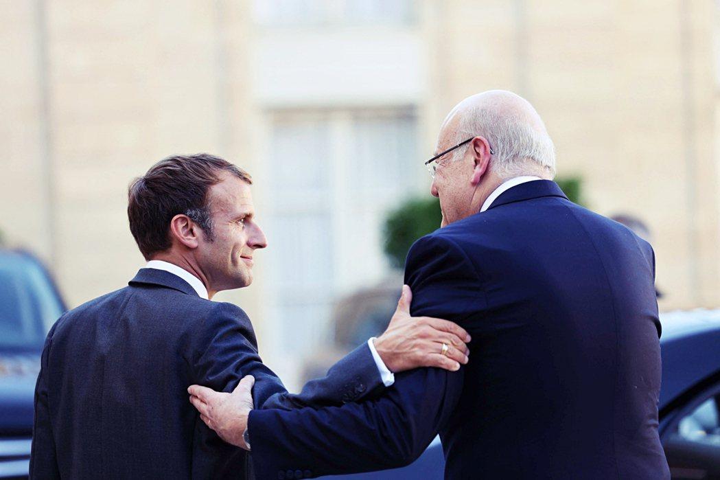 請求國際社會援助是黎巴嫩唯一的出路。法國在馬克宏領導下雖一度對介入該國局勢野心勃...
