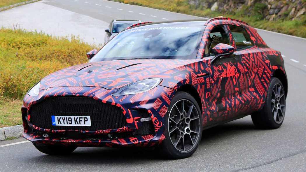Aston Martin DBX測試車。 摘自autoexpress
