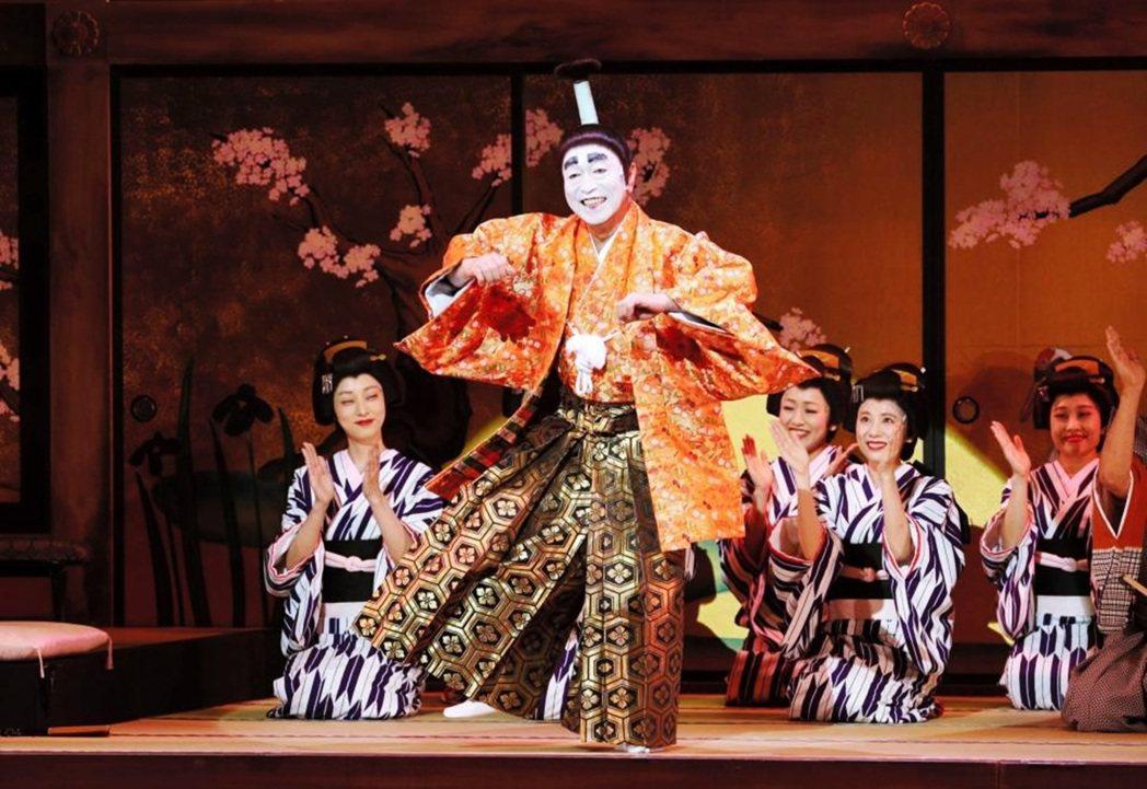 日本搞笑藝人是一種高度的「職人藝」。圖為志村健每年現場演出的「志村魂」舞台公演。...