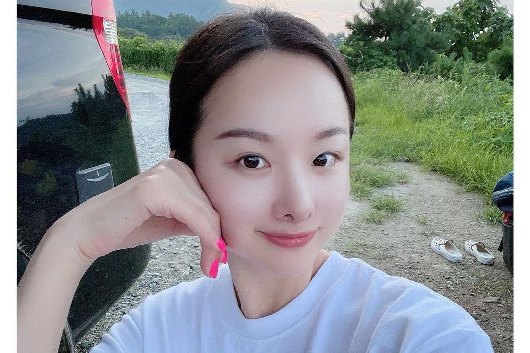 韓國女團 EXID 2015年因粉絲拍攝並上傳《Up & Down》影片翻紅,2019年團體和公司合約到期不續約,宣布單飛不解散,成員們也繼續在各自的跑道努力著,而當中擔任主唱的隊長率智近況...
