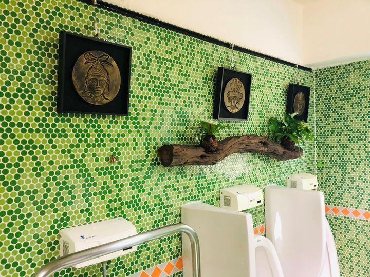 ▲禮納里遊客中心公廁展現原民藝術之美與盎然生機。 圖:茂林國家風景區管理處/提供