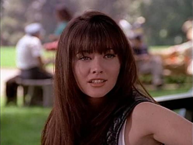 香儂道荷蒂因為「飛越比佛利」成為高人氣女偶像。圖/摘自imdb
