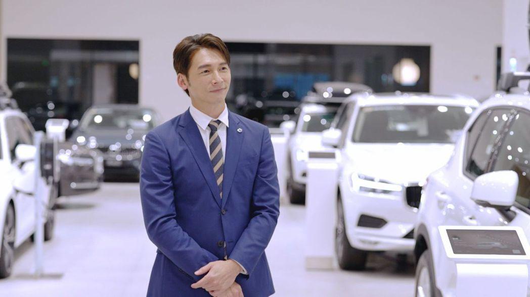 溫昇豪首扮汽車銷售專員,演技入木三分。圖/國際富豪汽車提供