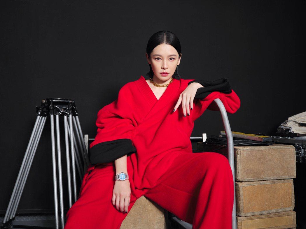 徐若瑄在隔離期間照樣忙著工作。圖/VOGUE雜誌提供