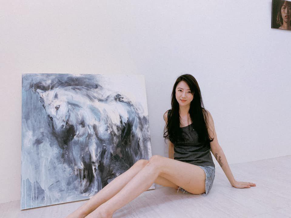 張熙恩這幾年開始學作畫。 圖/擷自張熙恩臉書
