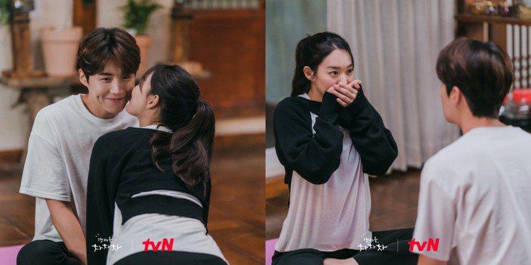 申敏兒的黑色罩衫來為韓國品牌YUSE的不對稱喀什米爾針織短上衣,金宣虎的長褲則來...