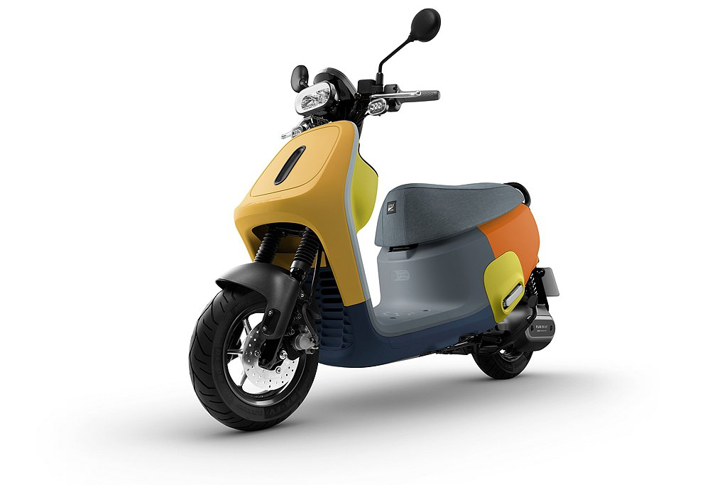 Gogoro亦推出指定車款「36期真0利率」貸款方案,讓消費者輕鬆入手無負擔;此...