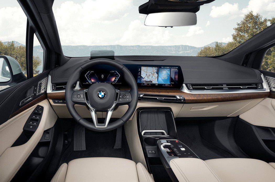 第二代BMW 2 Series Active Tourer (U06) 內裝質感...