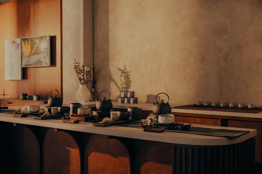 一樓的「留白茶想」,邀請茶學專家、講茶學院創辦人湯家鴻進駐分享茶文化。 圖/留白...