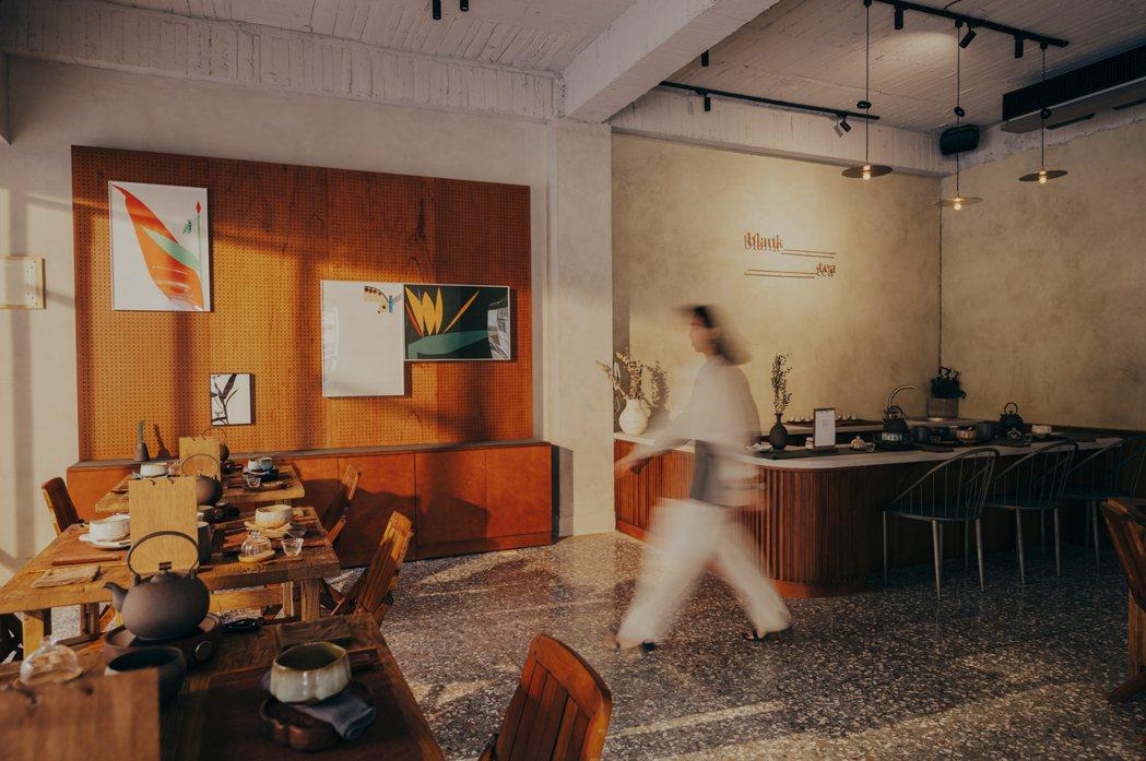 一樓飲茶區與吧檯,將由茶藝職人與飲茶者進行台灣茶文化的探索體驗。 圖/留白計畫b...