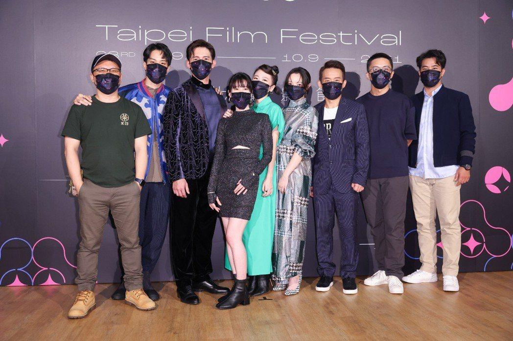 「茶金」劇組左起:製作人湯昇榮、演員薛仕凌、溫昇豪、連俞涵、許安植、李杏、郭子乾