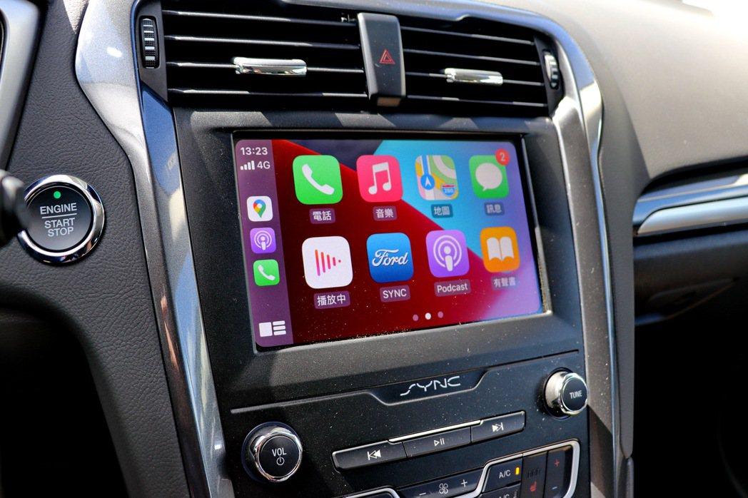 搭載SYNC3娛樂通訊整合系統的8吋LCD彩色觸控螢幕,支援Apple CarP...