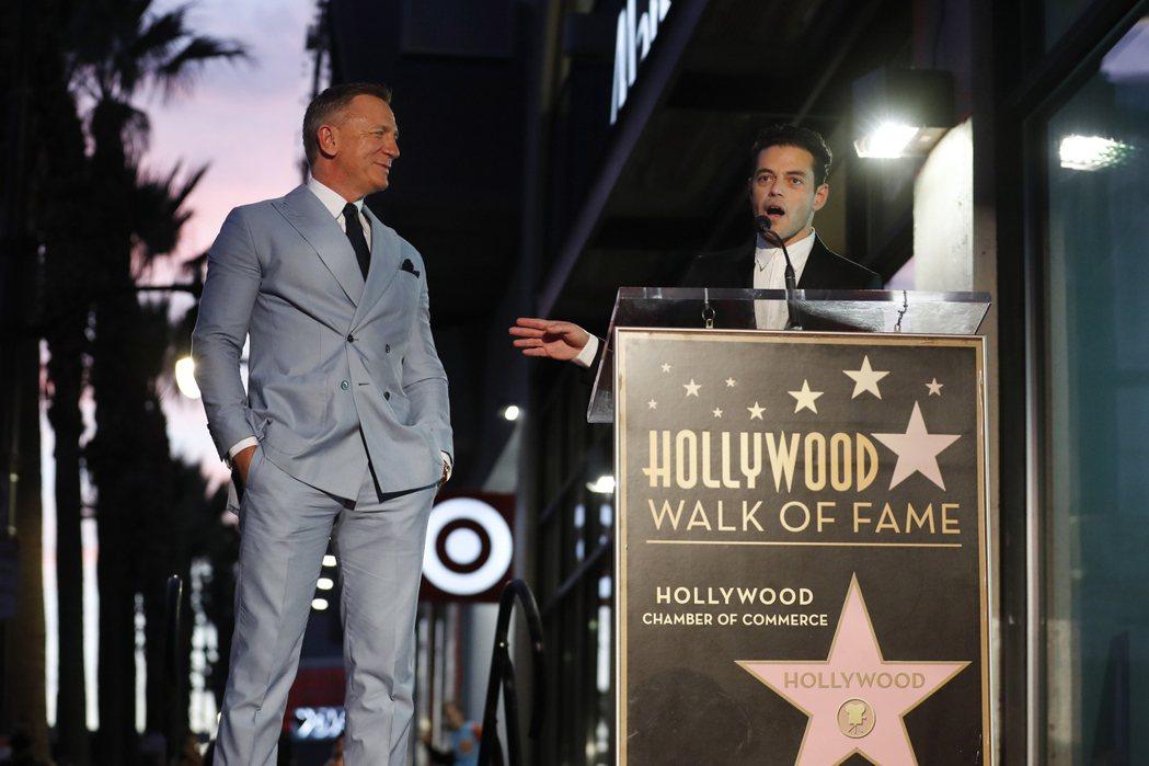 007丹尼爾克雷格與「007生死交戰」大反派雷米馬利克共同出席活動。(路透)