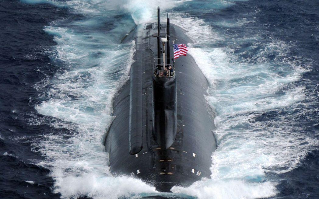 美國與中國沿著西太平洋的「新冷戰」對抗,在過去10天裡因一連串的連鎖發展——尤其...