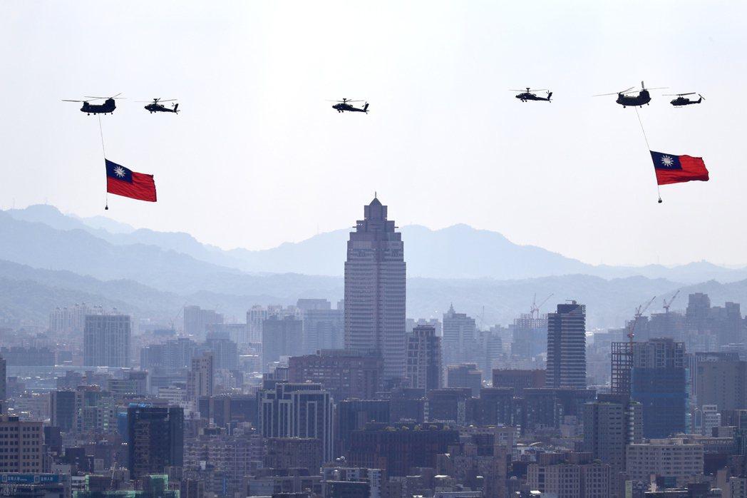 「星國也沒有和台灣一樣,被中國武力掐著脖子威脅。」因此台灣政府究竟甚麼時候才要擴...