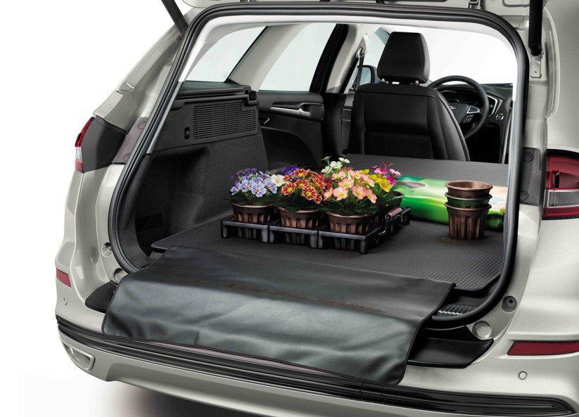 Ford Mondeo Hybrid Wagon以最適當的電池布局,將電池巧妙安...