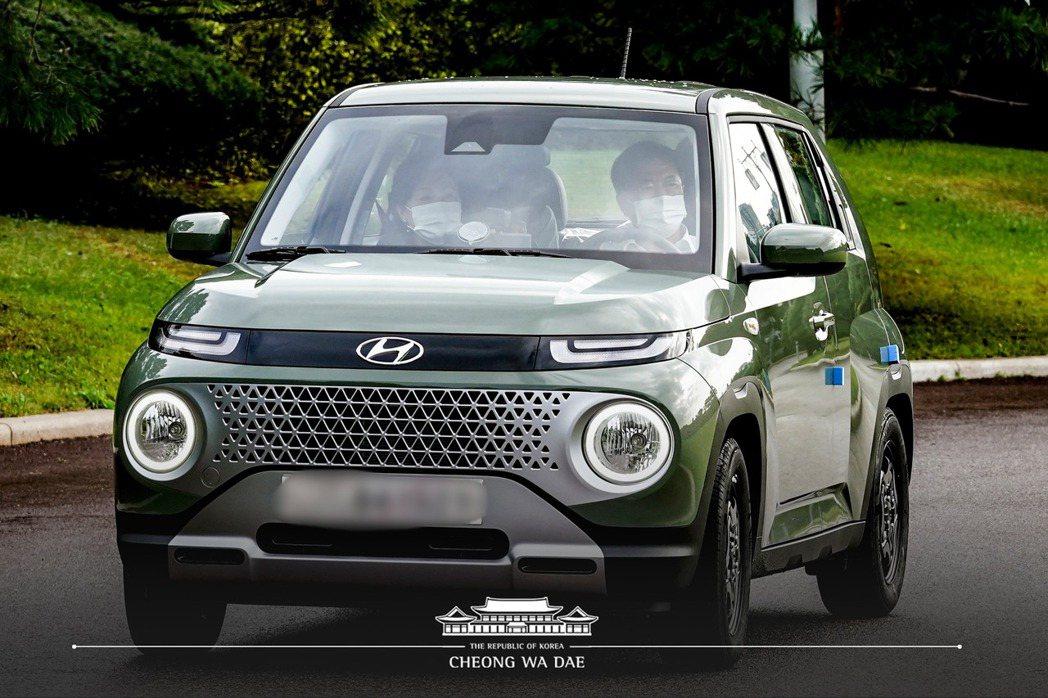 韓國總統文在寅在Hyundai Casper開放預售當日就親自於網路上下單,約莫...