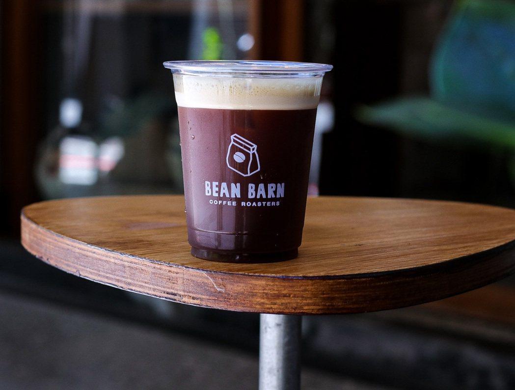 開業滿一年的豆荒良倉,要繼續烘出一杯杯有城市氣味的咖啡。 圖/豆荒良倉提供