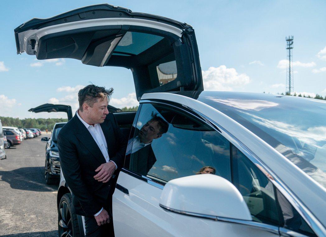 世界第二富豪、全球電動車的「教主」馬斯克(Elon Musk),7日在Tesla...