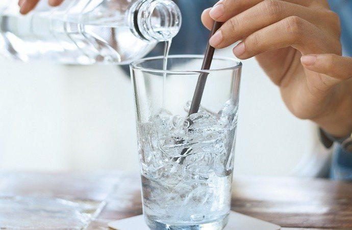 別再汙名化「喝冰水」,好處其實超多!