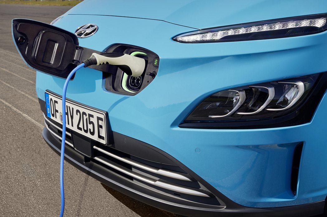 Hyundai Kona Electric日前在歐洲市場迎來十萬輛的銷售里程碑。...