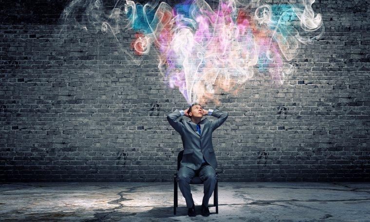 透過自我對話做人生階段性整理,重新看見內心最真實的自己。示意圖/ingimage