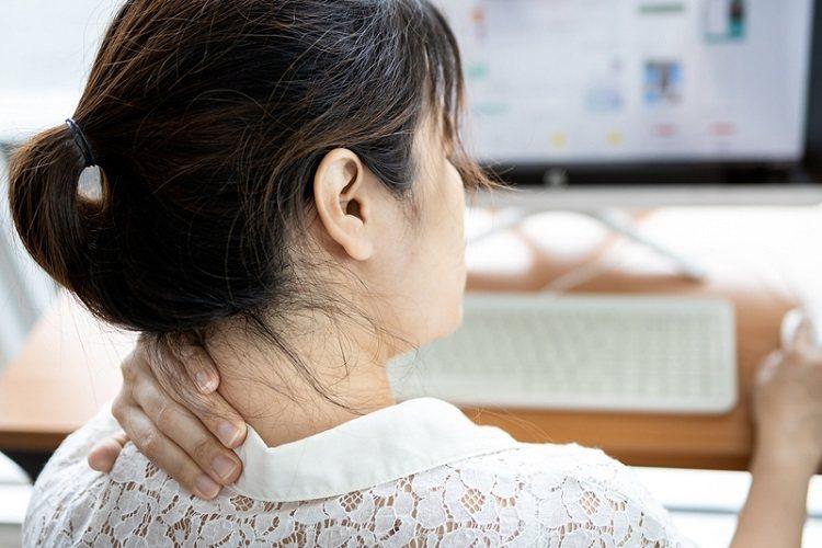 若長期有上肢或肩膀疼痛、頸部痠痛、神經刺痛、肌肉麻木無力等症狀,務必就醫檢查釐清...
