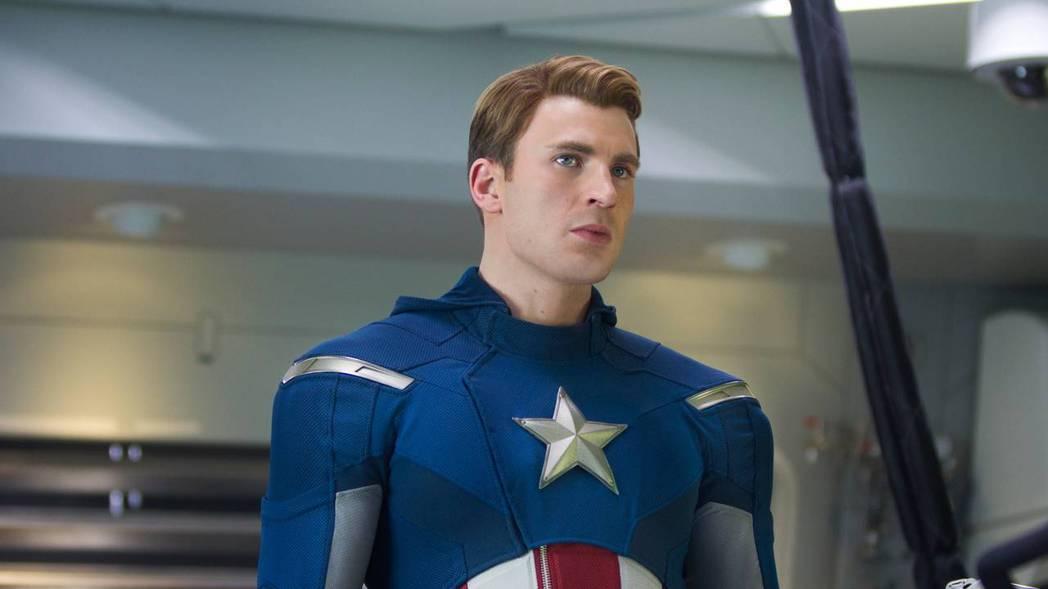 克里斯伊凡因扮演「美國隊長」史蒂夫羅傑斯受到不少觀眾喜愛。圖/摘自imdb
