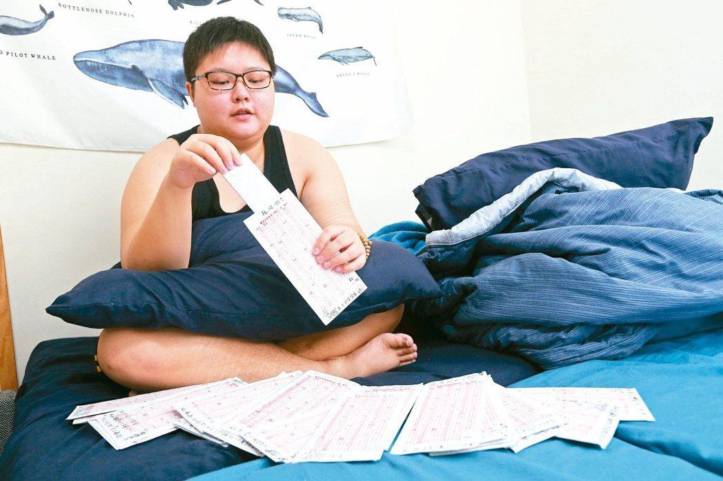 「精神病手記」的作者李昀一直關注精神病友的權益,也與病友寫信維持情感支持。記者胡經周/攝影