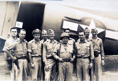 抗日期間蔣中正苦思破敵之道,決定向美國採購P-40戰機,這批P-40戰機也就成了日後飛虎隊的主力。圖為飛虎隊的美國志願飛行員。圖/美中政策基金會提供