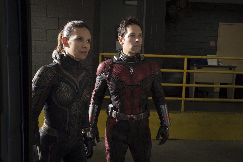 伊凡潔琳莉莉(左)在漫威英雄片扮演黃蜂女。圖/摘自imdb