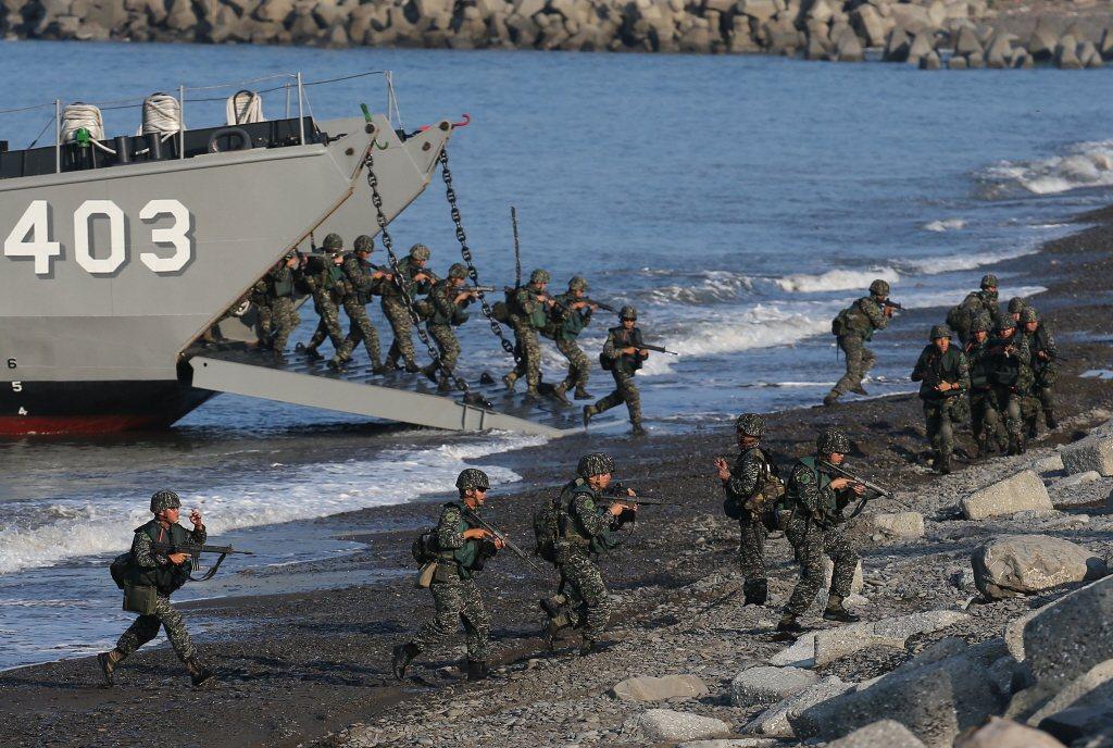 「漢光演習」在屏東加祿堂海灘進行演練。 圖/聯合報系資料照片