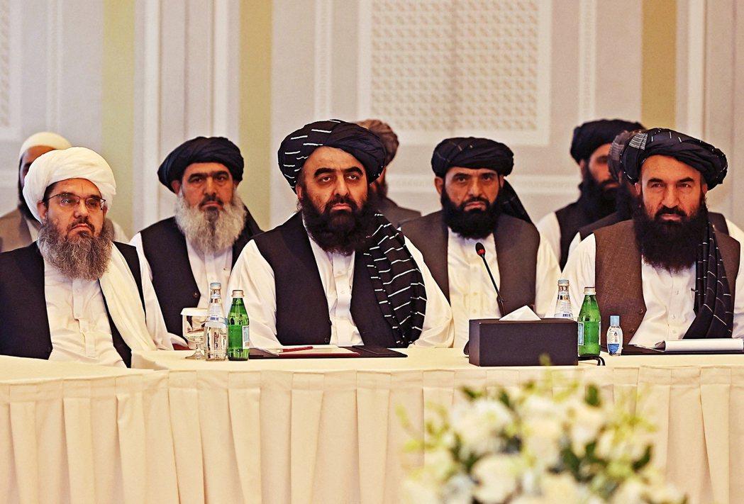 在卡達,歐盟與美國的聯合談判團隊,12日也與塔利班使節團「同桌交涉」,這也是繼喀...