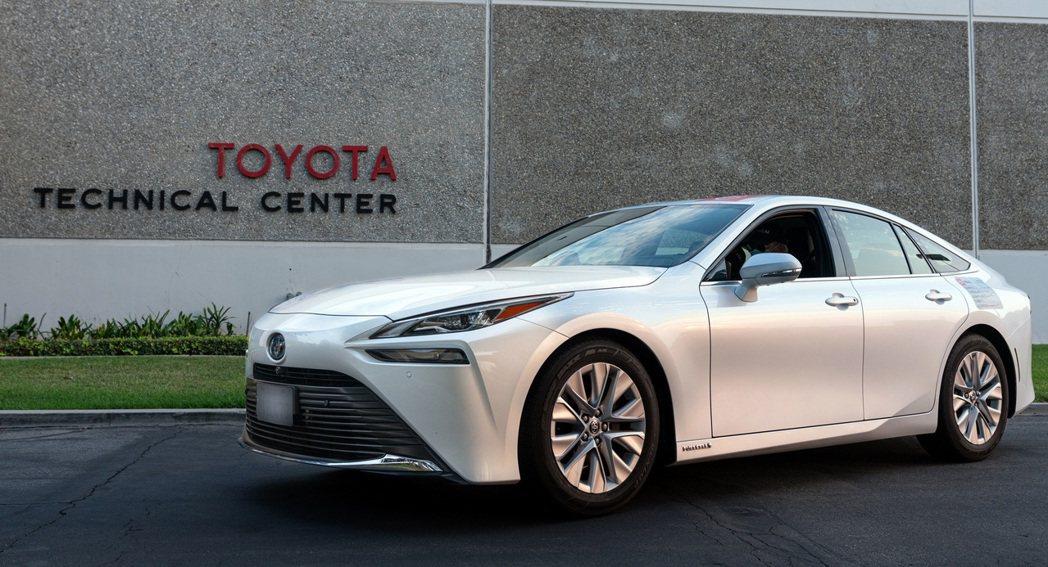 Toyota Mirai八月底在南加州加滿氫後,過程皆未補充過任何一次氫氣,之後...
