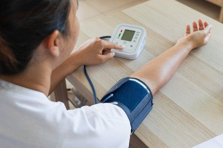 臨床醫師們認為,患者自行在家測得的血壓數值,參考價值相當高。