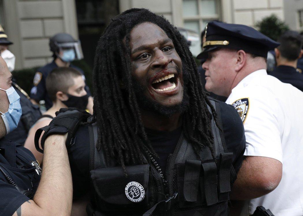 在美國紐約街頭BLM運動的示威者。 圖/歐新社
