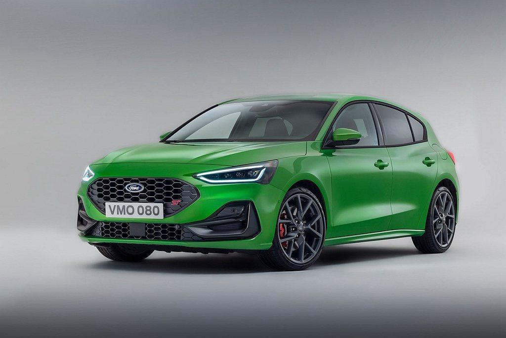 歐規小改款Ford Focus ST採用上、下蜂巢式柵欄、兩側氣壩大型擾流口、新...