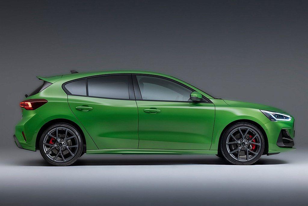 全新設計的18吋輪框列為標配,並可透過選配升級至19吋。 圖/Ford提供
