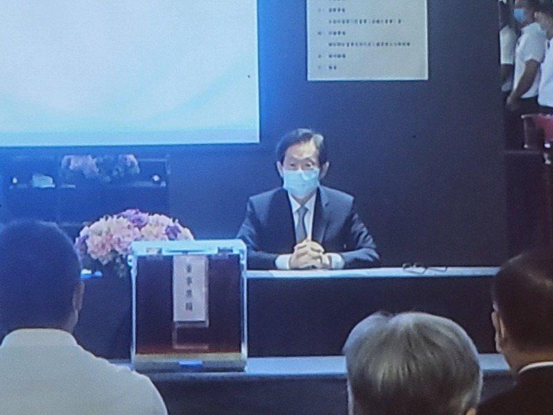 台苯舉行股東臨時會進行董事會改選,台苯現任董事長林文淵為首的公司派,全部的11席董事中,取得壓倒性的9席。 記者曾仁凱/攝影