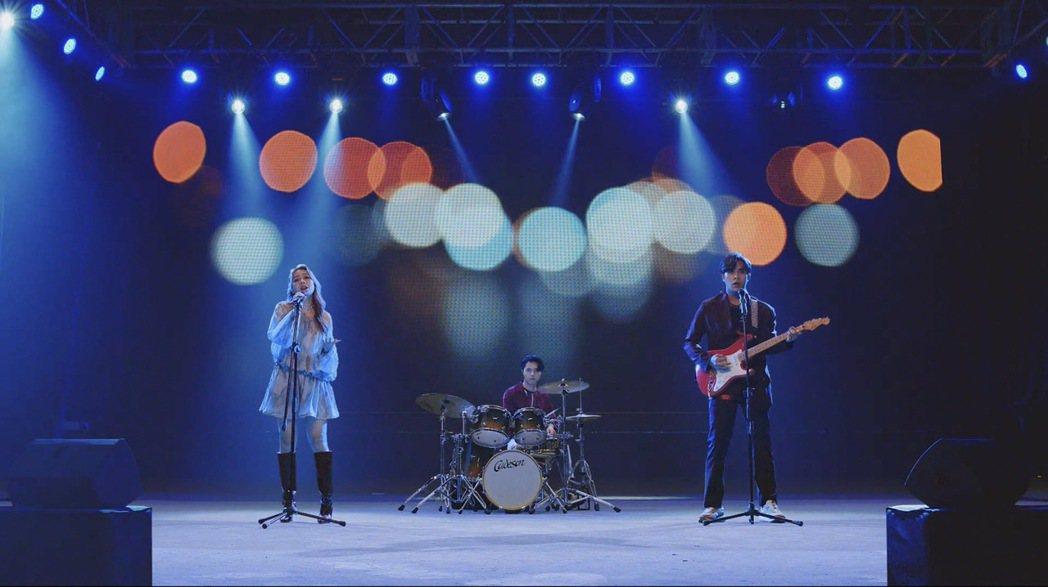 告五人創作、獻唱主題曲「只管向前」。圖/相信音樂提供